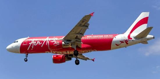 A320 de Air Asia, al llegar al aeropuerto de Barcelona / Foto: Pere Escala