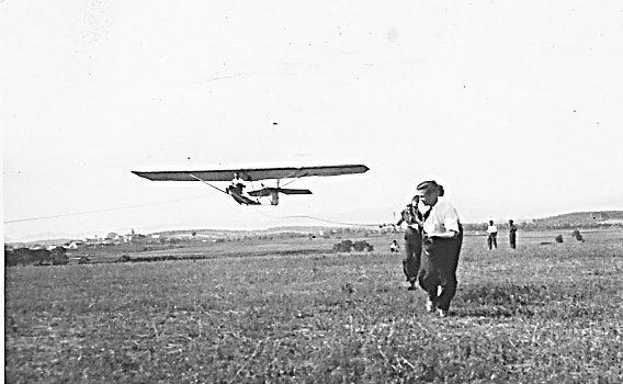 Inicios del vuelo son motor en Sabadell, entre 1931 y 1933