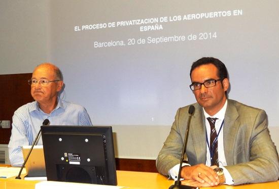 Carlos Medrano y José Ignacio Escudero (ITAerea). El primero dio una interesante conferencia sobre la privatización de AENA