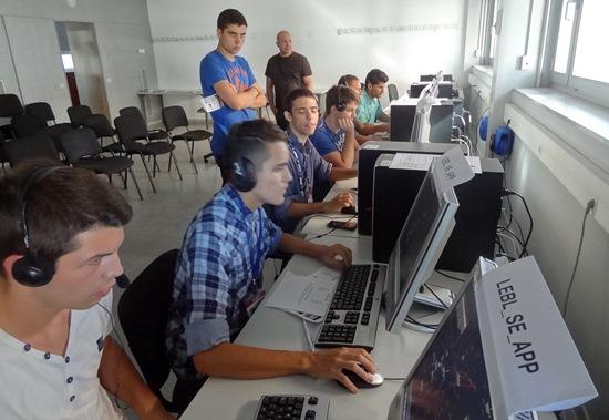En la sala IVAO Area se practicó la simulación del control aéreo