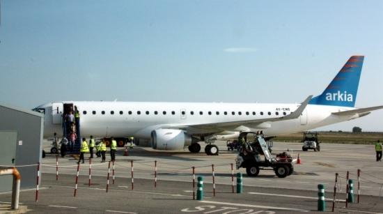 Embraer 190 de Arkia, en Lleida-Alguaire / Foto: Generalitat de Catalunya