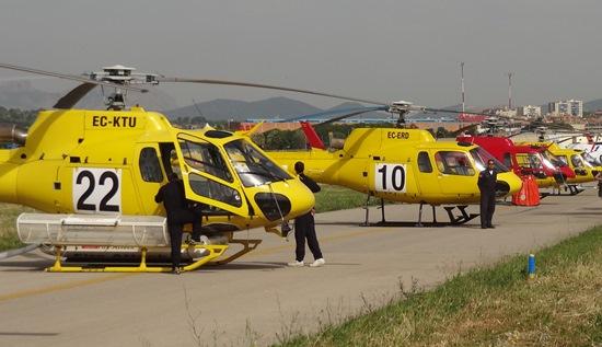 Helicópteros contra incendios, en el aeropuerto de Sabadell / Foto: Aerobcn.com