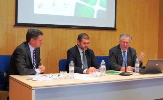 Antonio Gómez-Guillamón, Víctor Muñoz y Felipe Romera en un momento del encuentro