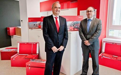 Ángel Marcos director de Servicios Aeroportuarios de Iberia, y Luis Gallego, presidente ejecutivo de Iberia