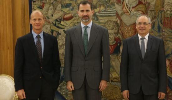 Tom Enders, Felipe VI y Domingo Ureña / Casa Real