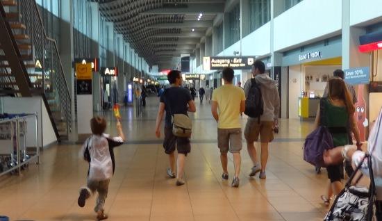 Terminal del Aeropuerto de Hamburgo / JFG