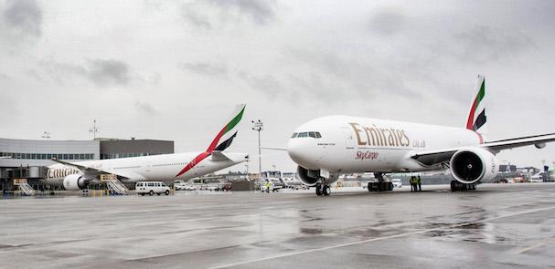 Dos de los Boeing 777 entregados ayer a Emirates
