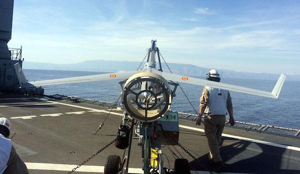 Lanzamiento desde la cubierta de vuelo / Ministerio de Defensa