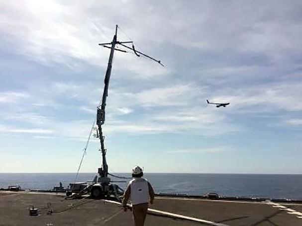 Recogida del avión / Ministerio de Defensa