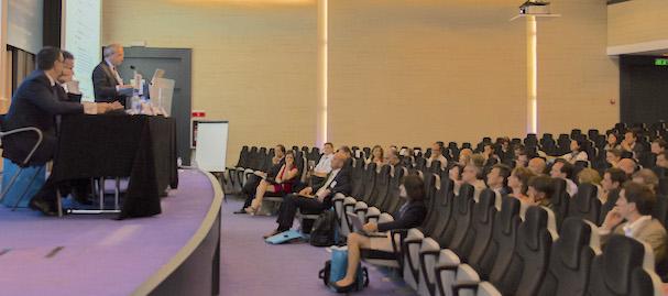 Foto de la sala que acoge el evento