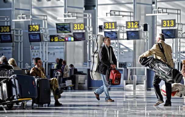 Pasajero en el Aeropuerto de Málaga / Aena