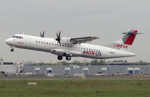 El avión luce una decoración especial / ATR