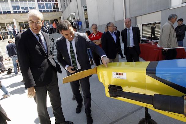 Román Rodríguez y Francisco Conde visitaron el centro y conocieron los proyectos de innovación que en él se desarrollan