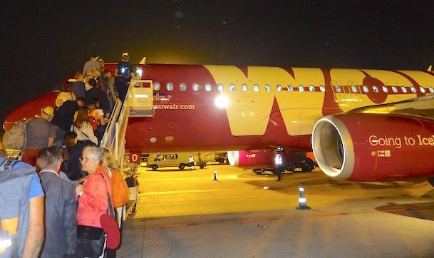 A320 de Wowair, en el Aeropuerto de Barcelona-El Prat